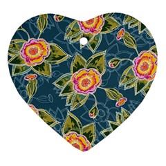 Floral Fantsy Pattern Ornament (Heart)