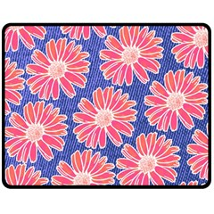 Pink Daisy Pattern Fleece Blanket (Medium)