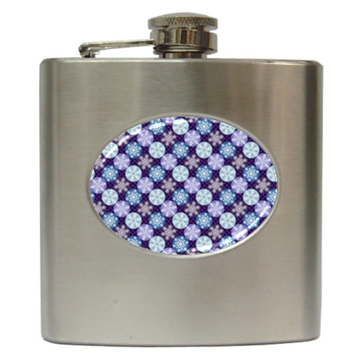 Snowflakes Pattern Hip Flask (6 oz)