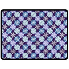 Snowflakes Pattern Fleece Blanket (large)
