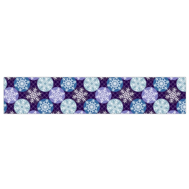 Snowflakes Pattern Flano Scarf (Small)