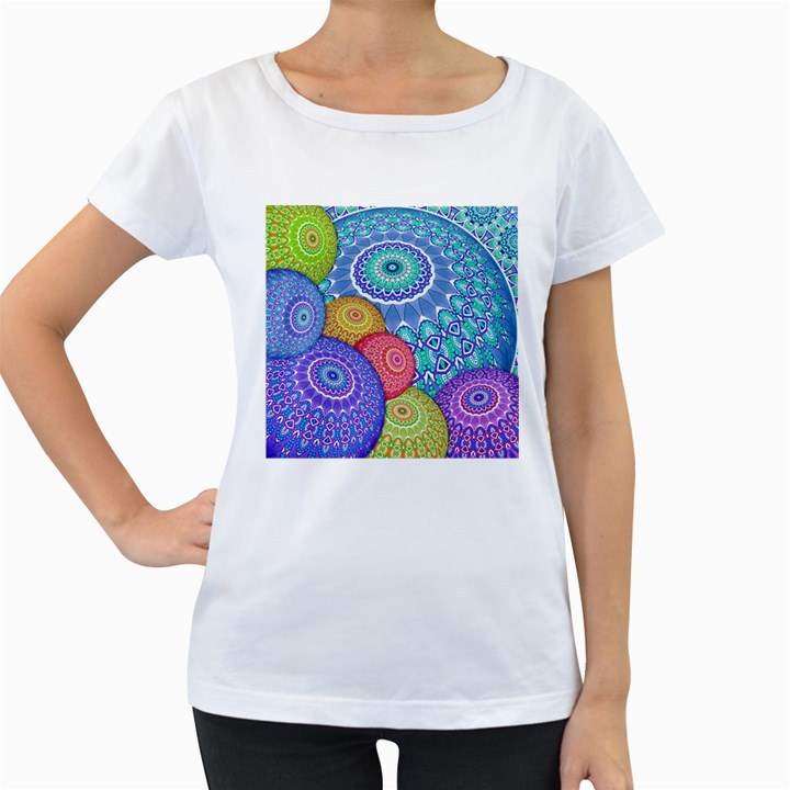 India Ornaments Mandala Balls Multicolored Women s Loose-Fit T-Shirt (White)
