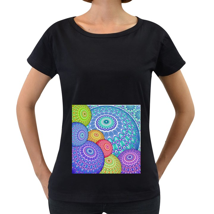 India Ornaments Mandala Balls Multicolored Women s Loose-Fit T-Shirt (Black)