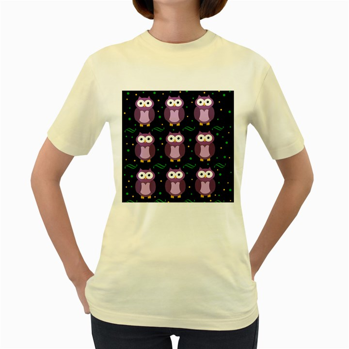 Halloween purple owls pattern Women s Yellow T-Shirt