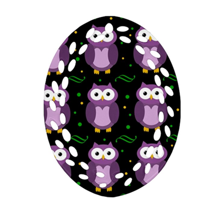 Halloween purple owls pattern Oval Filigree Ornament (2-Side)