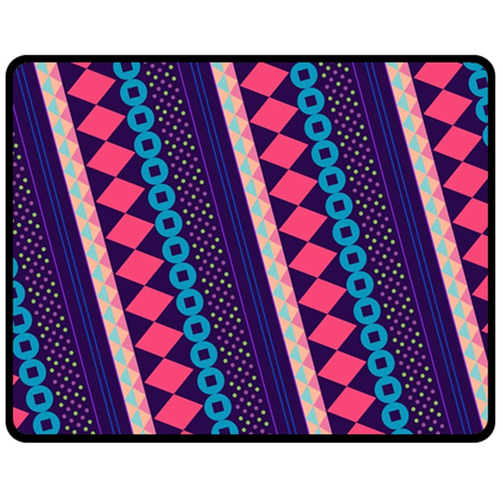 Purple And Pink Retro Geometric Pattern Fleece Blanket (Medium)