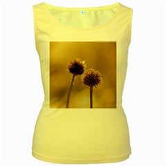 2  Verwelkte Kugeldistel Women s Yellow Tank Top
