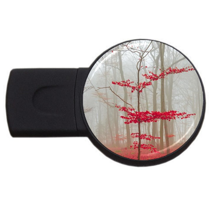 Magic forest in red and white USB Flash Drive Round (1 GB)