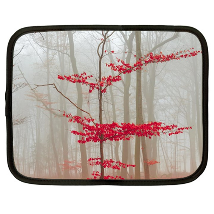 Magic forest in red and white Netbook Case (XL)