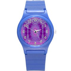 India Ornaments Mandala Pillar Blue Violet Round Plastic Sport Watch (S)