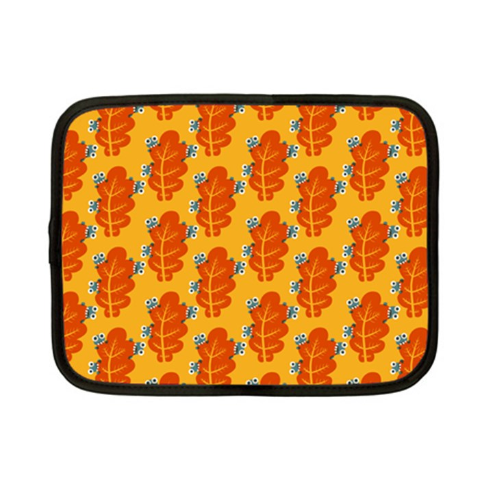 Bugs Eat Autumn Leaf Pattern Netbook Case (Small)