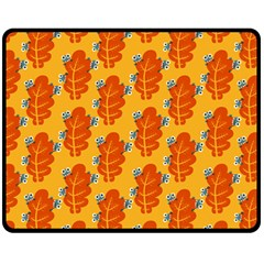 Bugs Eat Autumn Leaf Pattern Fleece Blanket (Medium)