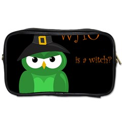 Who is a witch? - green Toiletries Bags
