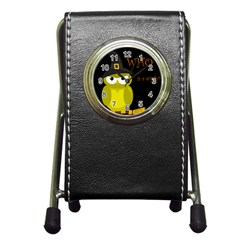 Who is a witch? - yellow Pen Holder Desk Clocks
