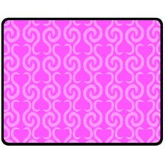Pink elegant pattern Fleece Blanket (Medium)