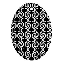 Black and white pattern Ornament (Oval)