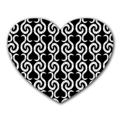Black and white pattern Heart Mousepads