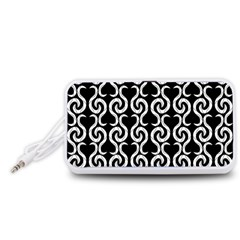 Black and white pattern Portable Speaker (White)