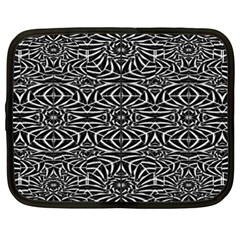 Black and White Tribal Pattern Netbook Case (XXL)