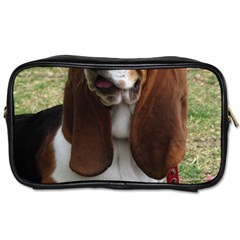Basset Hound Sitting  Toiletries Bags