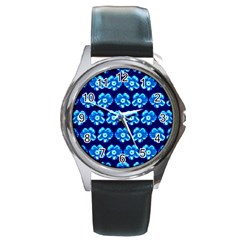 Turquoise Blue Flower Pattern On Dark Blue Round Metal Watch