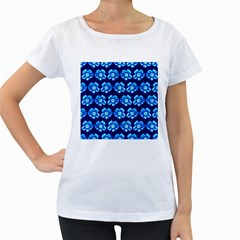 Turquoise Blue Flower Pattern On Dark Blue Women s Loose-Fit T-Shirt (White)
