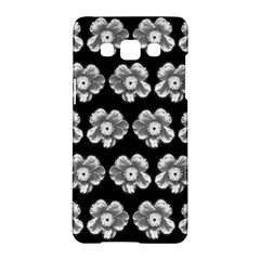 White Gray Flower Pattern On Black Samsung Galaxy A5 Hardshell Case