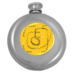 Yellow Soles Of The Feet Round Hip Flask (5 oz)