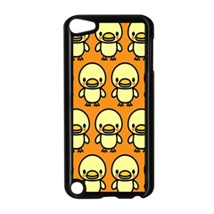 Small Duck Yellow Apple iPod Touch 5 Case (Black)