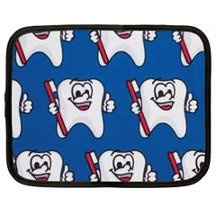 Tooth Netbook Case (XXL)