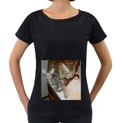 Ocicat Tawny Kitten With Cinnamon Mother  Women s Loose-Fit T-Shirt (Black)