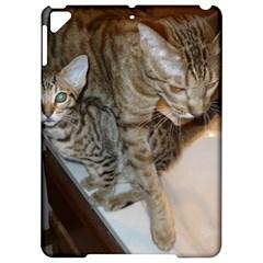 Ocicat Tawny Kitten With Cinnamon Mother  Apple iPad Pro 9.7   Hardshell Case