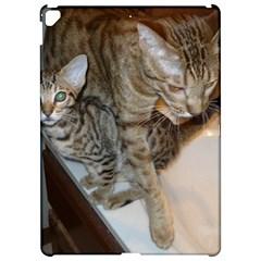 Ocicat Tawny Kitten With Cinnamon Mother  Apple iPad Pro 12.9   Hardshell Case