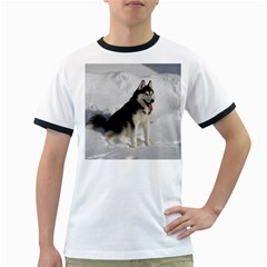 Siberian Husky Sitting in snow Ringer T-Shirts