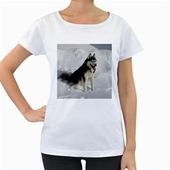 Siberian Husky Sitting in snow Women s Loose-Fit T-Shirt (White)
