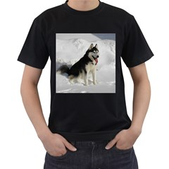 Siberian Husky Sitting in snow Men s T-Shirt (Black)
