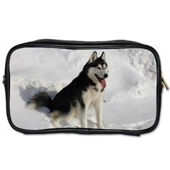 Siberian Husky Sitting in snow Toiletries Bags
