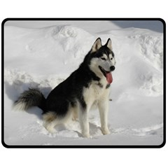 Siberian Husky Sitting in snow Fleece Blanket (Medium)