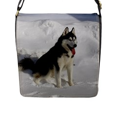 Siberian Husky Sitting in snow Flap Messenger Bag (L)
