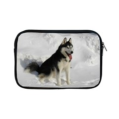 Siberian Husky Sitting in snow Apple iPad Mini Zipper Cases