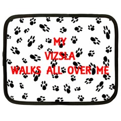 My Vizsla Walks On Me  Netbook Case (XL)