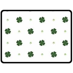 Green Leaf Fleece Blanket (Large)