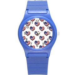 Usa Grunge Heart Shaped Flag Pattern Round Plastic Sport Watch (S)