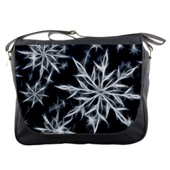 Snowflake in feather look, black and white Messenger Bags
