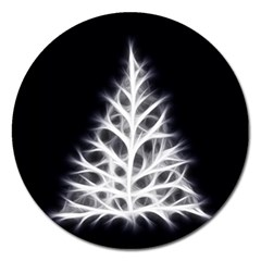 Christmas fir, black and white Magnet 5  (Round)