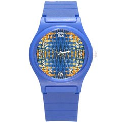 Blue And Gold Repeat Pattern Round Plastic Sport Watch (S)