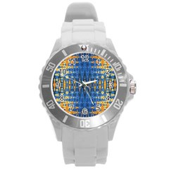 Blue And Gold Repeat Pattern Round Plastic Sport Watch (L)