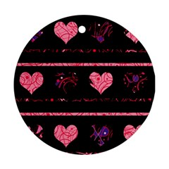 Pink elegant harts pattern Round Ornament (Two Sides)