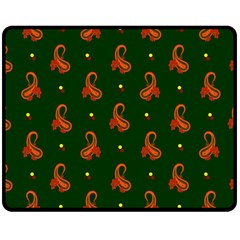 Paisley Pattern Double Sided Fleece Blanket (Medium)