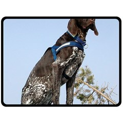 German Shorthair Pointer Sitting Fleece Blanket (Large)